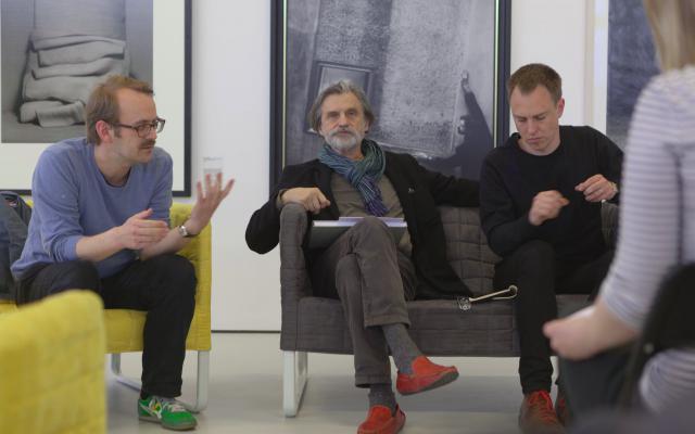 Přednášky a diskuze / Talks and Discussion
